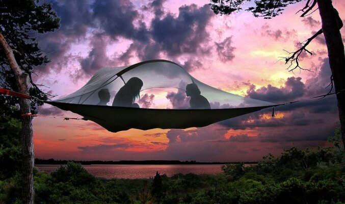 Suspended-Tree-Tent-1